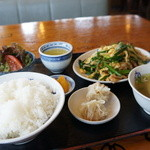 中華飯店てんじく - 本日の日替りは、ニラ玉です