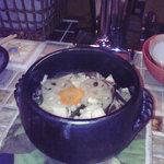 野菜料理と土鍋ごはんの店 侒 - 具がたっぷりの土鍋ごはん
