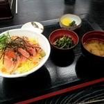 高山温泉ふれあいプラザ - 料理写真:じぇじぇじぇ丼