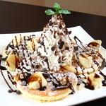 エリッサメイラ - チョコバナナ&くるみのパンケーキ