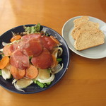 COUZT CAFE + SHOP - イベリコ豚の燻製と根菜サラダセット