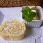 桂のさと - ケーキセット ロールケーキとアイス