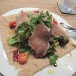 ダインプレイス - 生ハムと生野菜のガレット