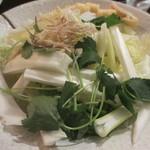 鳥良 - コラーゲン丸鶏鍋の野菜