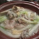 鳥良 - コラーゲン丸鶏鍋の完成