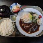 キリンヤ - 煮込みハンバーグ定食