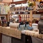 あけぼの食堂 - 和彩食堂あけぼの 店内