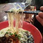 21608201 - 麺は、博多ラーメンだから、極細だ!