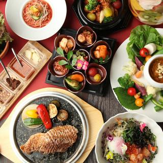 「薬食同源」や「五味五彩」をベースにした美しい韓国料理。