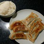 南北家常菜中華居酒屋 百円餃子 - 焼き餃子、棒餃子、ライス(2013/10/01撮影)