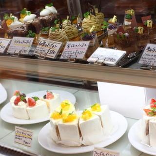 すべて手作りのケーキ