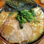 濃豚骨醤油ラーメン 馬力屋 - ラーメン(中盛り):600円