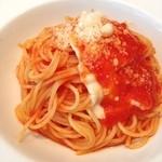 パークサイド タブレス - トマトとモッツァレラのパスタ。