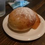 セブンストック - グラタンランチのパン
