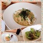 クッチーナ・ベジターレ・オット - 本日のパスタランチ(イカとオクラと青じそのタラコスパゲティ)とデザート。