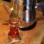 ケバブ家 - チャイ~トルコの伝統的なお茶~