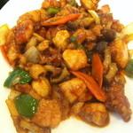 北京亭 - 鶏もも肉のブツ切り炒めアップ