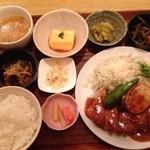 かわず - ■ かわずランチ  1000円 * 本日のメイン * 6種の小鉢 * お味噌汁 * ごはん * ドリンク