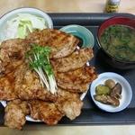 21633526 - 『豚丼 大盛』(1,050円)+『ランチセット』(100円) 計1,150円