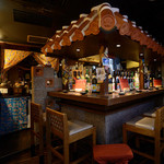 居酒屋 はいばな - カウンターや座敷など、座席ごとに異なる雰囲気を楽しめます。