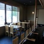 江戸政 - 内観写真:カウンター&テーブル席