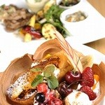 お肉とワイン 関内ビストロ ZIP - 大好評のハッピーフレンチトーストランチ 大満足のシェフプレート・ドリンクもつぃて 1480円