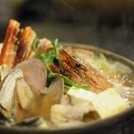 函館市場 海厨房 - 今年もやってきました鍋の季節♪ 冬のオススメNo.1★海鮮塩鍋