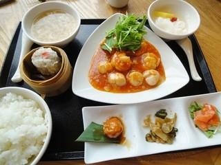 南国酒家 羽田空港店 - 本日の料理長おすすめランチBセット