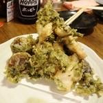 鶏のチョモランマ - 大分名物 鶏天と季節野菜の天ぷら盛り合わせ580円