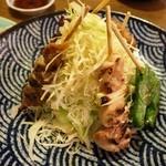鶏のチョモランマ - 串焼き盛り合わせ5種(焼鳥3本、野菜串2本、パリパリキャベツ)590円