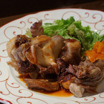 フランス田舎料理の店 ビストロ ベズ - 牛テールのやわらかロースト