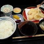 味にしかわ - 海鮮天丼800円 9月の末から素麺がお味噌汁になってました。