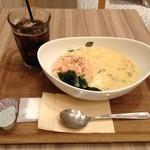 Chowder's SOUP & DELI - チャウダーズボウル(ベジタブルチーズビスク)