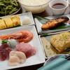 月心 - 料理写真:活きのいい魚介類のお刺身もある『贅沢コース』飲み放題付き