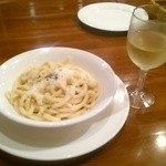 トラットリア バロッコ - 太麺と白ワイン