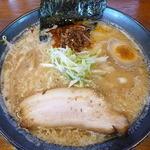 麺屋 華月 - 味噌ラーメン(¥750)
