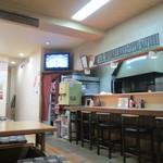 はらぺこ - 店の奥には製麺室有り