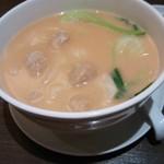 Koushouki - ワンタン麺は鶏白湯