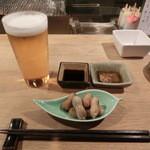 うずら屋 - 生ビールと落花生・・・ココの落花生は、津城の物と違い、非常に旨い(´∀`)