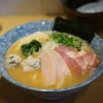 麺屋 一燈 - 濃厚魚介ラーメン+別チャーシュー2種