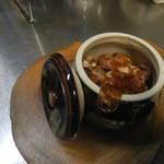 京丹波地鶏壺漬け焼き、秘伝の味(スタミナ醤油、味噌)