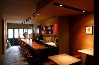 カフェ デ コラソン - 清潔な店内。すっきり。