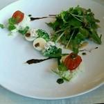 21675048 - ニース風サラダ                       (前菜3択のうちのひとつ。うずら卵とツナが印象にのこる)