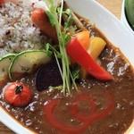 カフェグリーングリーン - 料理写真:「特製スパイシーカレー」 複数のスパイスを調合しじっくり丁寧に煮込んで作った熟成カレー。