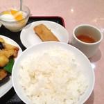 21678250 - ライス、春巻き、杏仁豆腐