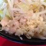 麺や 唯桜 - アブラとニンニク