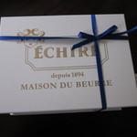 エシレ・メゾン デュ ブール - 立派な箱に入っています・・