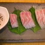 船場食堂 サスケ - プリプリの鯛作り800円 江戸時代、現在の刺身醤油の代りに使われていた煎り酒を再現!