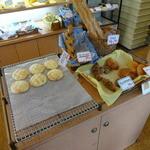 パン工房 さくさく - いきなり目に入る!メロンパン80円