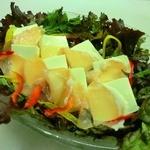 いっぱち - 豆腐と生ハムのサラダ
